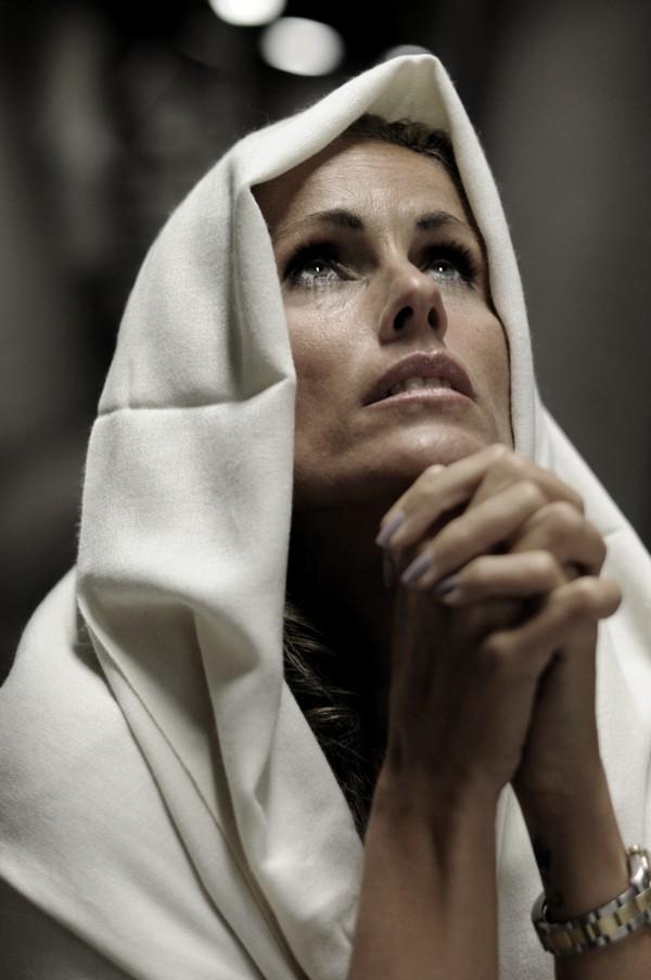 Resultado de imagen para orando con maria santisima